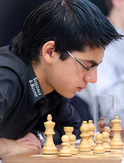 Op 5 juli 2011 wint Giri het Nederlands kampioenschap. Ongeslagen en met voorsprong.